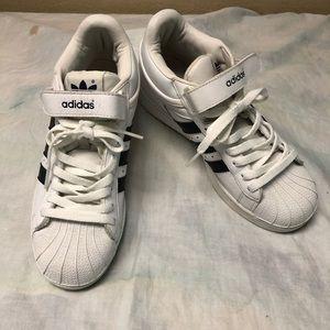 Adidas Women's 3 stripe white sneakers size 6 1/2
